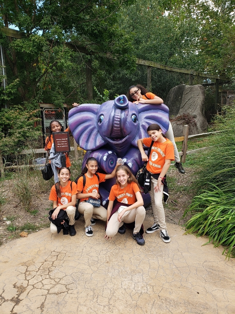 1st 6th grade trip to Elmwood Zoo